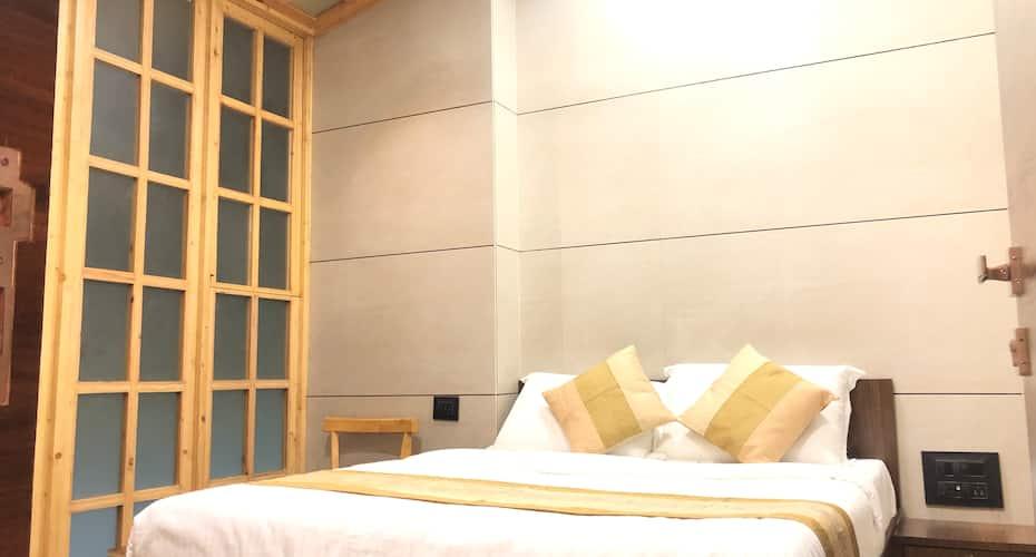 Hotel Rooms Dadar, Dadar West,