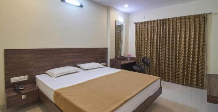 Hotel Airlines, Sayyaji Rao Road,