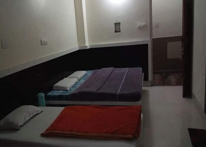Akriti Hotel, Cantt Road,