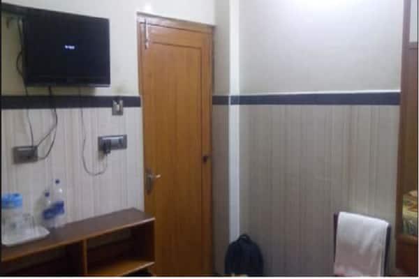 Hotel Yuvaraj Palace, Gandhi Nagar,