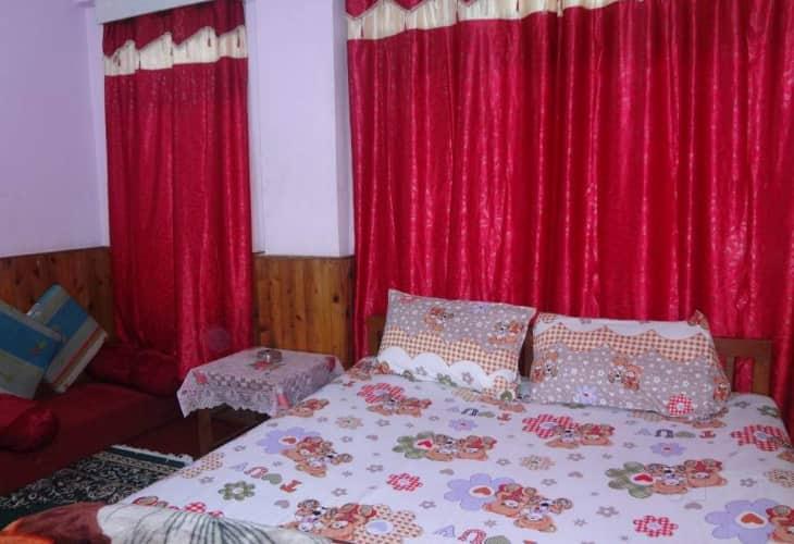 Hotel Birdie's Nest, Zakir Hussain Road,
