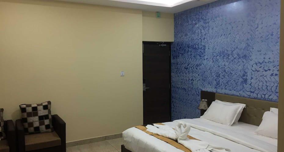 Sarmani Hotels Pvt Ltd, Mount Road,