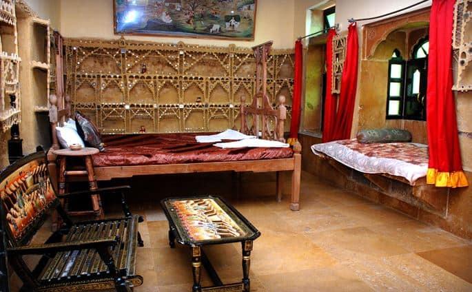 Deepak Rest House, Hanuman Circle,