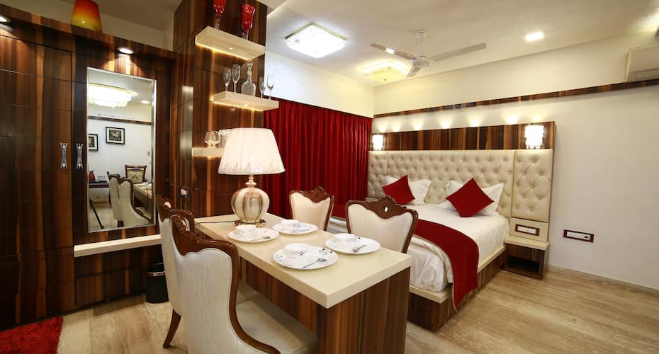 Sheratone A luxury Hotel, Nakki Lake,