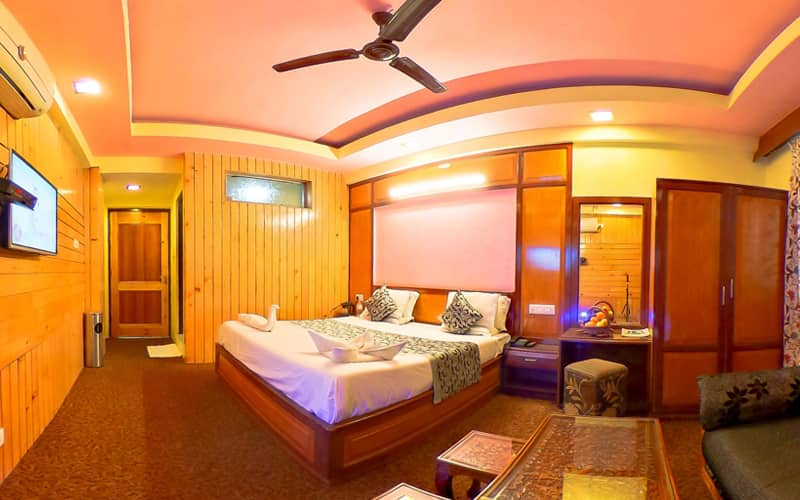Hotel Regal Palace, Lal Chowk,