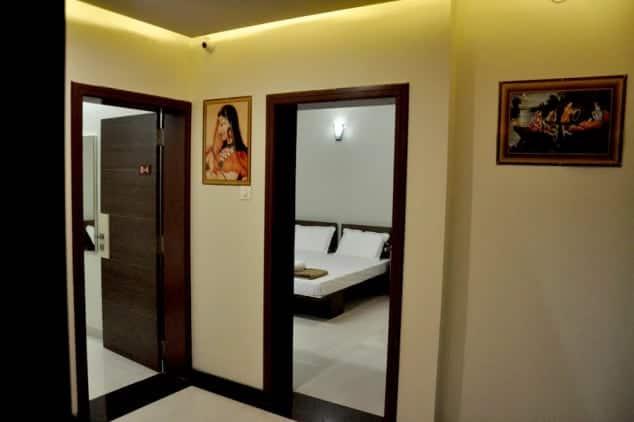 Hotel Indrani, none,