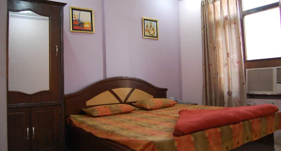 Sharma Guest House, Near Golden Temple,