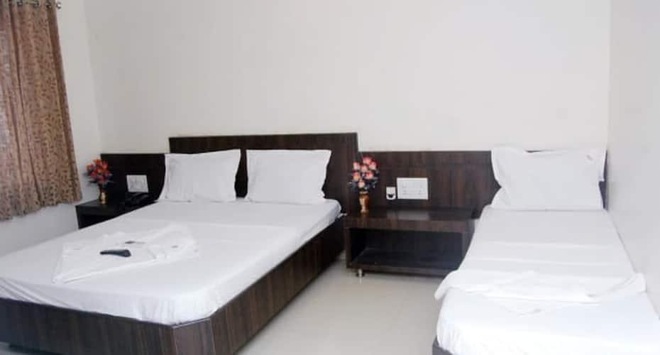 Hotel Sai Smita, Near Temple,