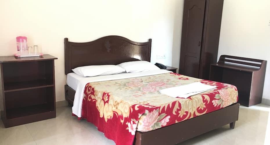Jays Tourist Home, Mattupety Road,