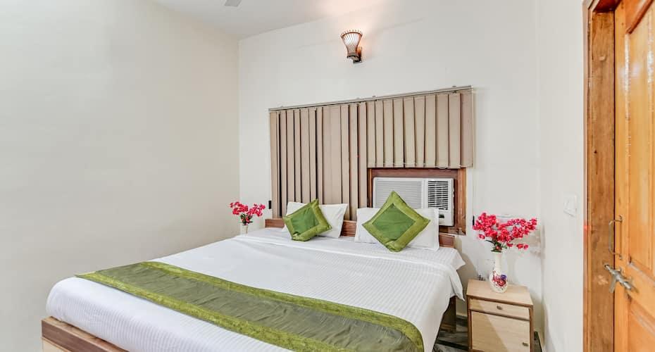 Treebo Trip Hotel Krishan Villa,Lucknow