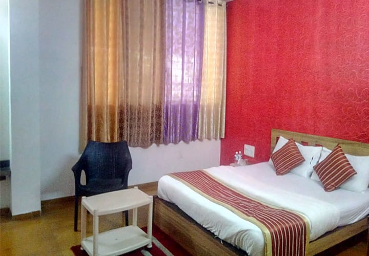 Hotel Gourish, Satara Road,