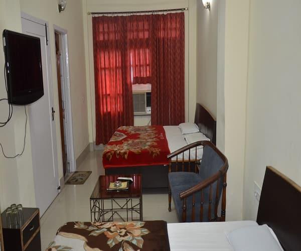 New Karan Hotel, Near City Centre,