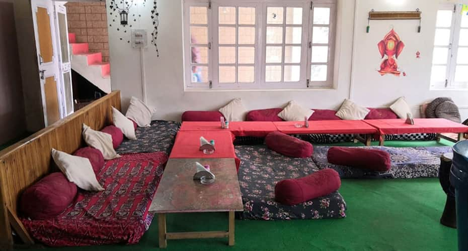 Hotel Lilly Inn & Cafe, Old Manali,