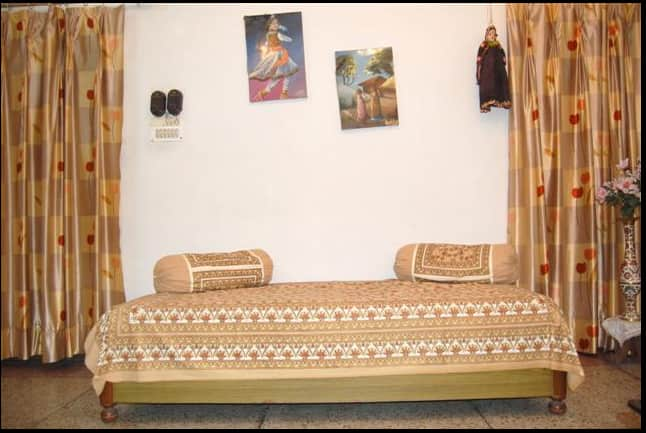 Maa Ganga Haveli ( Home Stay ), Opposite Railway Station,