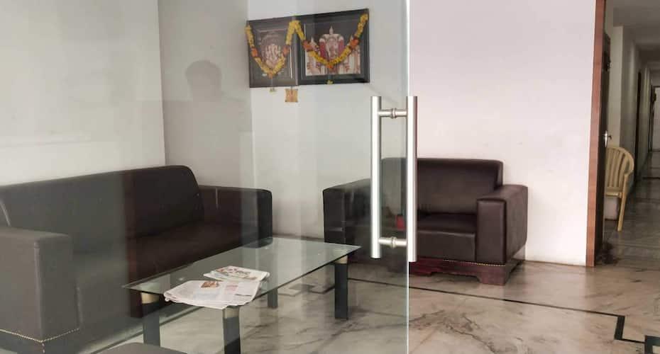 Hotel Samrat, Governerpet,