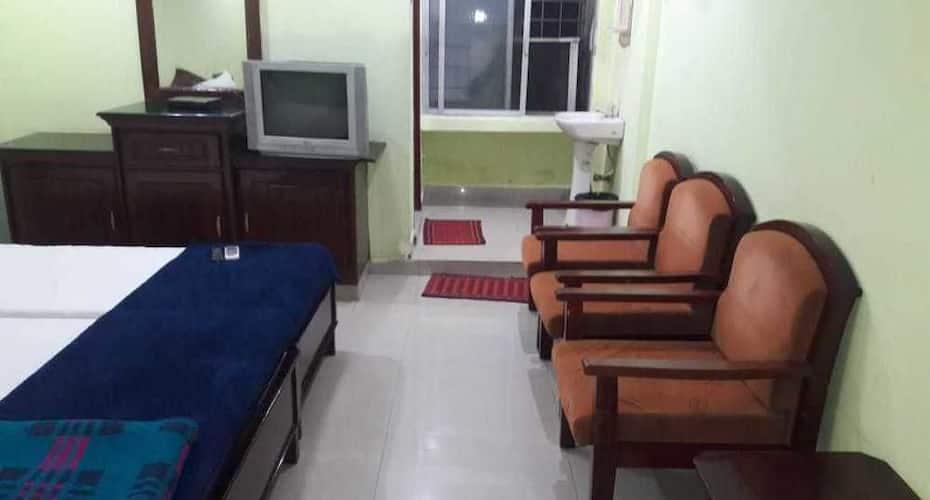 iROOMZ Akhil Residency, Governerpet,