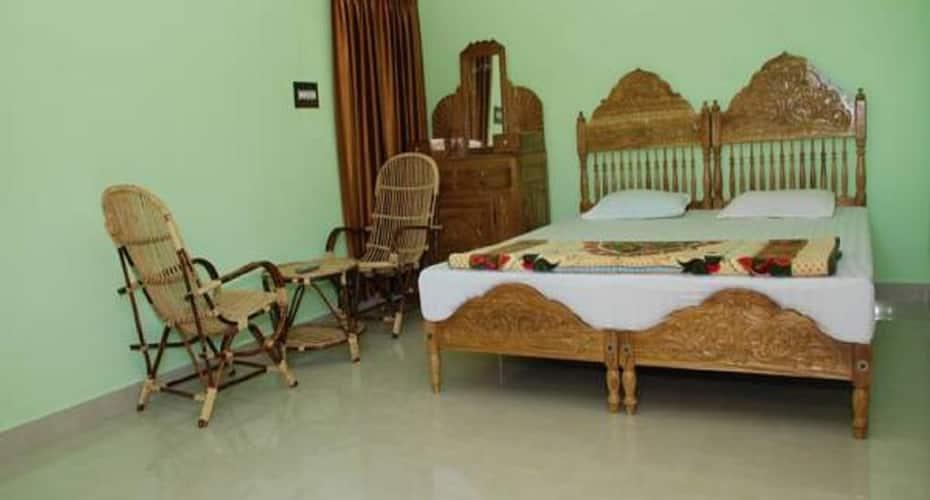 Panthalams Homestay, Thekkady Road,