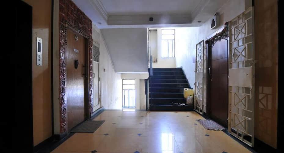 Mirchi Bite Service Apartment (B6-3-4), Park Street,