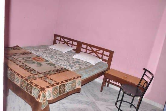 Hotel Maharaja, Clock Tower Road,