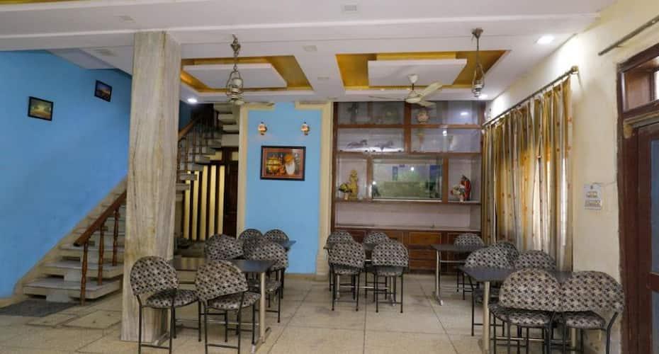 Hotel New Bakshi House, Kamla Nagar,