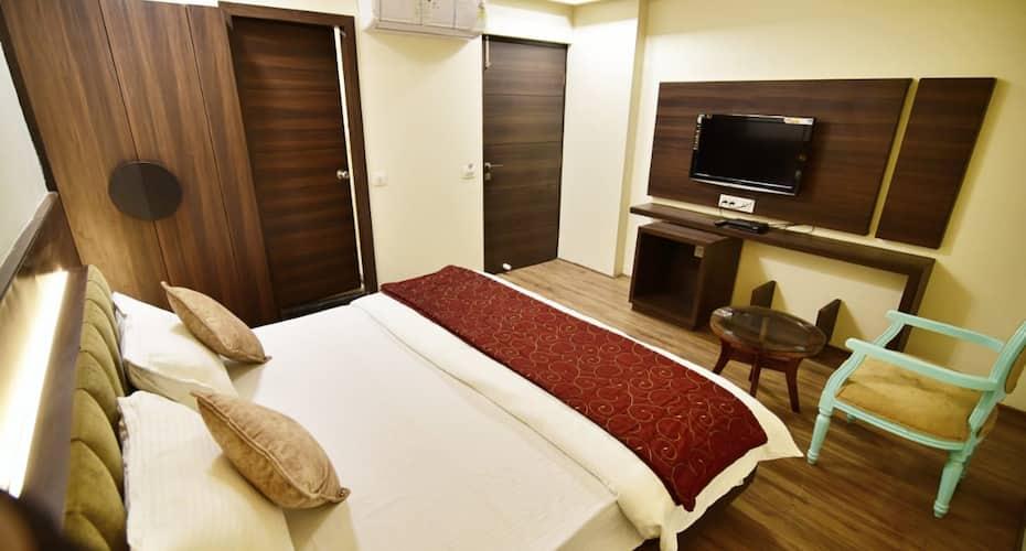 Hotel Shyampuriya Palace, Civil Lines,