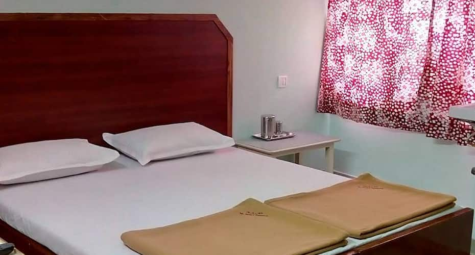 Mc Feesas Residency, Adyar,