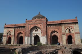 Heritage Walk at Purana Qila (Old Fort) with Intach