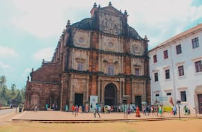 Heritage Tour: Forts and Churches in Goa