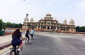 Pink Sensation Cycle Tour with Rajasthani Breakfast