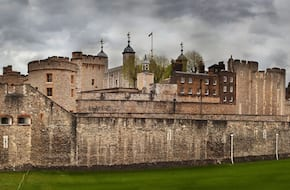 Tower of London Tickets with Beefeater Tour