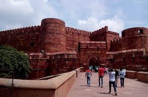 Half-day tour of Agra with Kuchhpura walk