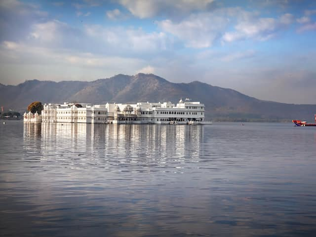 Book Udaipur And Mount Abu Honeymoon Delight tour packages