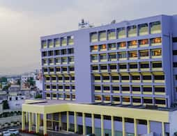 Dolphin Hotel in $hotelCityName1