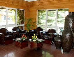Hotel Apple Valley Resorts in Kullu