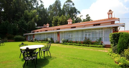 Hotels with swimming pool in ooty 3000 night - Best hotels in ooty with swimming pool ...