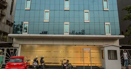 Book 3 Star Hotel near Sarkhej Roza Talav, Ahmedabad