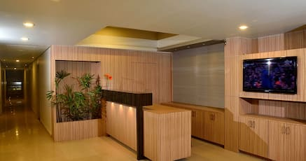 Hotels Near Belgaum Golf Course Belgaum With Lounge