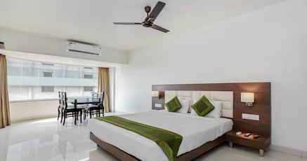 Hotels near Center One Mall, Mumbai with WIFI