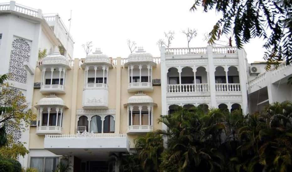 Hotel Hilltop Palace Udaipur Book This Hotel At The Best Price