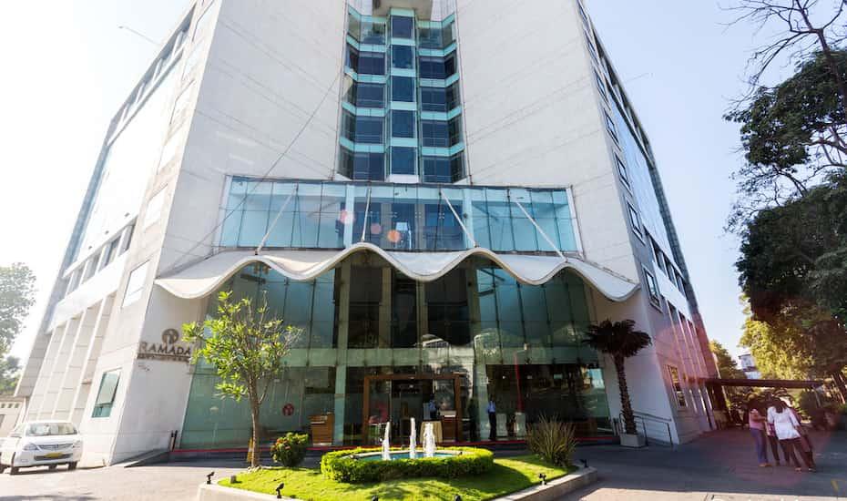 Ramada Navi Mumbai, Navi Mumbai - Book this hotel at the BEST PRICE
