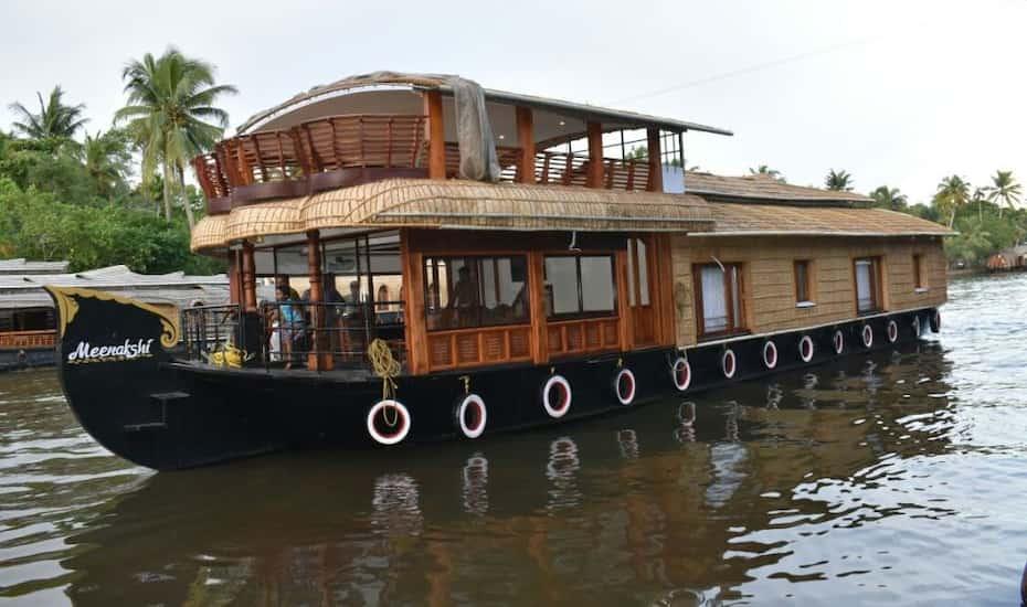 Meenakshi Houseboat