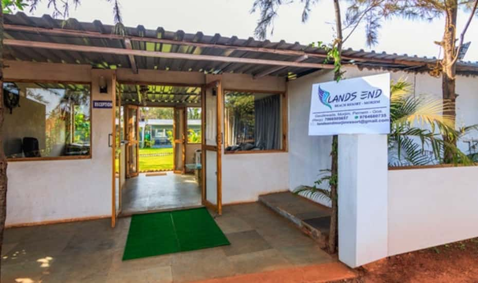 Treebo Lands End Beach Resort Goa Hotel Booking Reviews Room