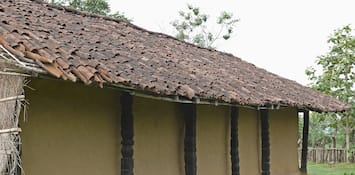How About Spending a Day at the Gothul Dormitories with the Tribal Community of Chattisgarh?