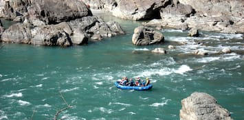 Champion Over Water Like Never Before With River Rafting In Rishikesh!