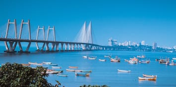 Enjoy Leisure Sailing In Mumbai