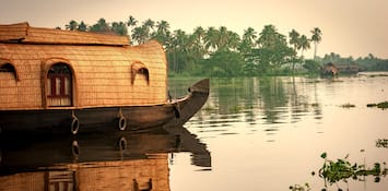 8 Reasons To Travel To Kerala During The Monsoons