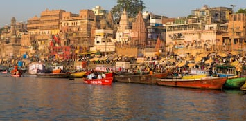 Top 5 Reasons Why Varanasi Should Be On Every Honeymooner's Wish List!