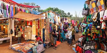 Reasons Shopping At Anjuna Flea Market In Goa Is So Popular