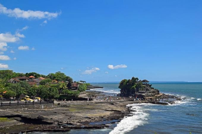 Full-day Join-in Kedaton Monkey Forest and Tanah Lot Tour with Transfers