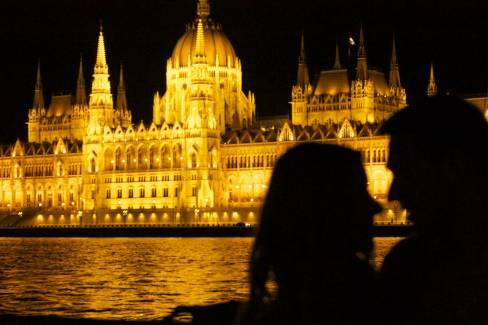 Dinner Cruise with Live Music on the River Danube